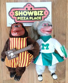 Showbiz Pizza BEFORE Chuck E Cheese- I loved this place, my dad was the mgr when I was a kid, free tokens and billy bob birthday party! :)