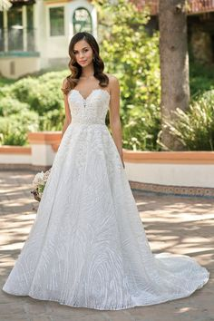 beautiful embroidered lace strapless wedding dress with sweetheart neckline Latest Wedding Gowns, Couture Wedding Gowns, Best Wedding Dresses, Gown Wedding, Wedding Reception, Dream Wedding, A Line Bridal Gowns, Bridal Dresses, Bridesmaid Dresses
