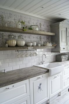 Ambrosial Small kitchen cabinets online shopping,Kitchen design layout dimensions and Cost of kitchen remodel layout. Beautiful Kitchens, Beautiful Kitchen Designs, Small Kitchen, Farmhouse Kitchen Backsplash, Kitchen Remodel, Kitchen Styling, Kitchen Renovation, Kitchen Design, Shabby Chic Kitchen