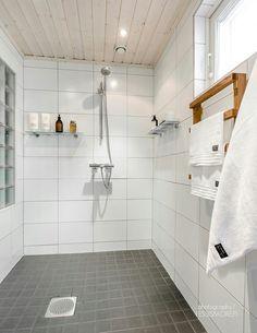 Pyyheteline Wet Rooms, Mudroom, My Dream Home, Tila, Bathing, Decoration, Showroom, Bathroom Ideas, Closet