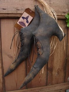 Primitive Witch Shoes. by JanePedersen on Etsy