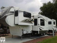 LUXURY, FEATURES & CAMPING CONVENIENCE! WARRANTY!!!!!