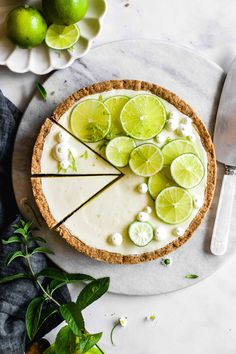 It's a yoghurt lime tart. It's a damn delicious yoghurt lime tart. Lime Recipes, Tart Recipes, Baking Recipes, Dessert Recipes, Snacks Für Party, Cafe Food, Aesthetic Food, Aesthetic Hair, Fancy Desserts