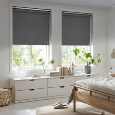 FYRTUR Blackout roller blind - wireless, battery operated gray (CA) - IKEA Kit Homes, Roller Cortinas, Catalogue Ikea, Electric Blinds, Blackout Blinds, Blackout Shades, Ikea Home, Home Interior, Bedroom Designs
