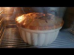 Bugüne kadar yaptığınız keklerden çok daha fazla kabaran, kolay kolay bayatlamayan, yumuşacık bir sünger kek yapmaya ne dersiniz. Kekimiz öyle kabarıyor ki nerdeyse kalıptan taşıyor. Cake Recipes, Dessert Recipes, Desserts, No Bake Cake, Bakery, Muffin, Food And Drink, Cooking Recipes, Pudding