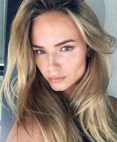 Les plus beaux make-up Instagram de Natasha Poly : no makeup makeup, maquillage naturel, strobing, contouring