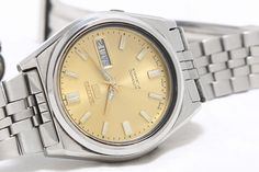 Vintage Seiko 5 Automatic Day-Date 21-Jewels Men's Wrist Watch GS-143