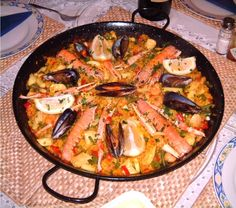 This Paella is a better for your dessert made with wholesome ingredients! Dairy, gluten, grain free and paleo too! Filipino Dishes, Filipino Recipes, Asian Recipes, Ethnic Recipes, Filipino Food, Spanish Paella, Spanish Food, Spanish Kitchen, Spanish Cuisine
