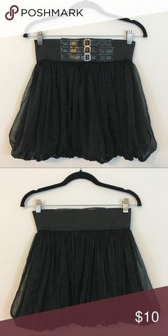 Forever 21 Black Circle Skirt Size M Good Condition. Made out of 55% Polyester and 45% Nylon and the lining is 100% Polyester. 🚫No Trades or PayPal 🚫 Forever 21 Skirts Circle & Skater