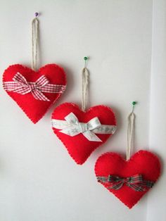 Christmas Tree Decorations Felt Hearts Set of 3 Christmas Tree Decor Christmas Ornaments Christmas Gift Valentine Crafts, Holiday Crafts, Valentines, Felt Christmas Decorations, Felt Christmas Ornaments, Christmas Hearts, Christmas Fun, Etsy Christmas, Origami Christmas
