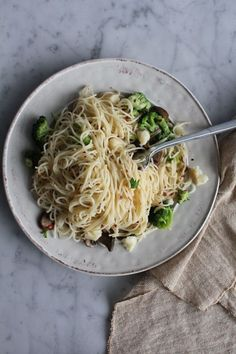 Peppery Broccoli with Angel Hair Pasta | Hip Foodie Mom by janet