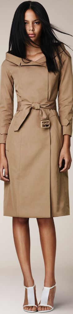 BURBERRY PRORSUM. I'm pinning this because she's a black model for big house design and that's a big deal