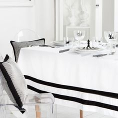 Zara Home Two-Tone Striped Tablecloth (195 BRL) ❤ liked on Polyvore featuring home, kitchen & dining, table linens, striped tablecloth, striped table linens, striped table cloths, zara home and stripe tablecloth