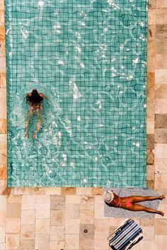 fliesen im pool #summer #swimmingpool