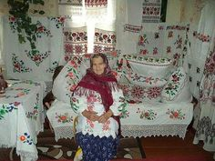 Ось вона, душа українця...білесенька і в квітах....яка краса! Ethnic Fashion, European Fashion, Russian Image, Embroidery Fonts, Interior Photo, Old Women, Handicraft, Christmas Sweaters, Kimono Top