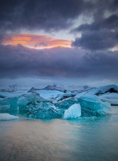 """500px / Photo """"[ ... storm over Jökulsàrlon ]"""" by D-P Photography"""