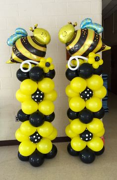 Bee Balloon Columns by ann Balloon Centerpieces, Balloon Decorations, Bee Decorations, Baby Shower Balloons, Birthday Balloons, Baby Shower Gender Reveal, Baby Shower Themes, Bumble Bee Birthday, 1st Birthday Party For Girls