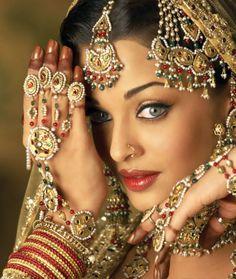 Aishwarya Rai in Umrao Jaan - Indian Hindi Film