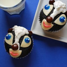Bambi Flower Cupcakes - Image Collection | Despite their flowery name, there's no mistaking these cupcake cuties for flora -- they're designed to look like Bambi's bashful skunk friend, Flower.