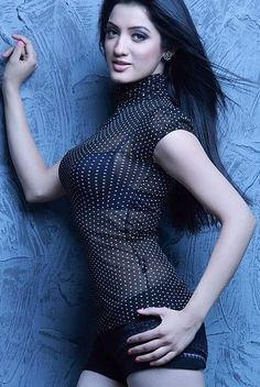 The hot and sexy yummy navel and meaty body with big balloon boobs south indian hot actress richa panai.