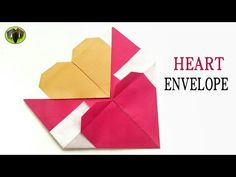 You can learn how to make simple origami envelope from envelope origami tutorials. It looks like an envelope where you place greeting cards in. Step 1 – You will need: Origami peppers Glue, if you have a plan to put some objects in. Useful Origami, Diy Origami, Origami Paper, Simple Origami, Diy Envelope Tutorial, Origami Tutorial, Diy Tutorial, Diy Card Box, Origami Flowers