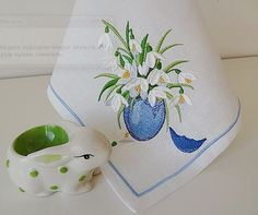 Hoop size 130*180 mm & 100*100 mm  This design is a great shape for an Easter greeting card. Embroider onto fabric and incorporate into a card!  If you would like design information such as the design size, stitch count and needle changes, please click on the image gallery.  Formats: .dst, .jef, .pec, .viр, .hus, .pes, .sew, .exp, .dat, .vp3, art   PLEASE NOTE: It is a digital file used for machine embroidery. You must have an embroidery machine and knows how to transfer to your machine…