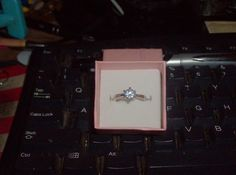 LOOK!!!! A GORGEOUS STERLING SILVER WHITE SAPPHIRE SOLITAIRE ENGAGEMENT RING SIZE 6