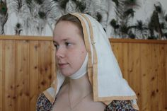 The double veil. From linen. The colored hem is by onion.