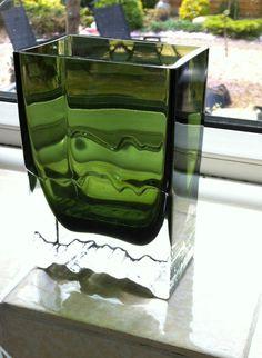 Rare 1977 Scandinavian Tapio Wirkkala IITTALA Raito Green Art Glass Vase 2780 Scandinavian Art, Interior Decorating, Interior Design, Green Art, Vikings, Design Art, Glass Art, Art Deco, Mid Century