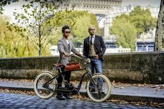 Velo Vintage, Electric Bicycle, French, Paris, Electric Push Bike, Montmartre Paris, French People, Paris France, French Language