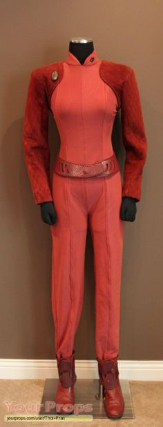 Kira Nerys standard DS9 Bajoran uniform