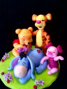 Winnie The Pooh Figurines, Winnie The Pooh Cake, Winnie The Pooh Nursery, Winnie The Pooh Friends, Disney Winnie The Pooh, Polymer Clay Disney, Chip Art, Fondant Decorations, Polymer Clay Animals