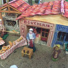 "L'ATELIER DE NÔEL: Mes creations de"" creche de Noel "" 2017 "" Blog Page, Bird Houses, Gazebo, Toddler Bed, Creations, Diy Crafts, Cabin, Mini Homes, House Styles"