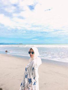 Ootd Hijab, Hijab Fashion Summer, Cover Up, Beach, Dresses, Vestidos, The Beach, Beaches, Dress