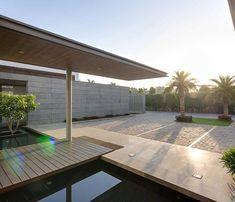 Contemporary New Delhi Villa with Amazing Courtyard and Water Features - Fox Home Design Outdoor Water Features, Pool Water Features, Home Design, Design Ideas, Interior Design, Interior Architecture, Interior And Exterior, Residential Architecture, Arquitetura