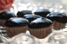 The Almond Flower: Ganache on Cupcakes (Vegan & Dairy Free)