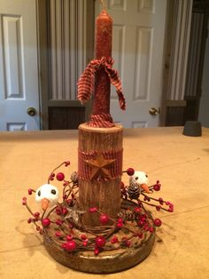 Primitive Country Candle!  Check out FB page Primitive Panes Antiques & More!