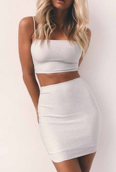 Cute 2 piece outfit for the summer. Need a decent flat tummy for it though! | Stylish outfit ideas for street savvy women | Trendy outfit suggestions.