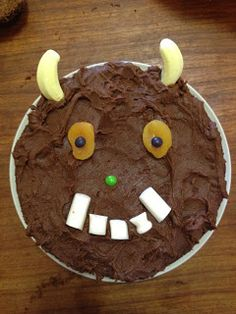 A delicious chocolate covered Gruffalo cake, perfect for any Gruffalo fans birthday party. Would fit perfectly with any Julia Donaldson theme! Toddler Birthday Cakes, 3rd Birthday Cakes, Birthday Parties, Gruffalo Party, Quick Cake, How To Make Cake, Amazing Cakes, Cake Decorating, Food And Drink