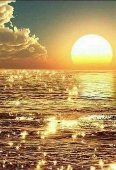 Sunrise or Sunset or just beautiful Beach Wallpaper, Nature Wallpaper, Beautiful World, Beautiful Images, Beautiful Sunrise, Nature Pictures, Moon Pictures, Nature Images, Amazing Nature