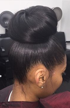 my favorite hairstyle of ALLLL time. my favorite hairstyle of ALLLL time. Black Hair Updo Hairstyles, Girl Hairstyles, Wedding Hairstyles, Relaxed Hairstyles, Braided Hairstyles, Ponytail Styles, Curly Hair Styles, Natural Hair Styles, Bun Styles