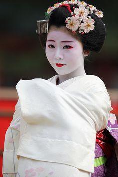 Maiko-san Japanese Beauty, Japanese Girl, Japanese Things, Kyoto, Japanese Costume, Japan Art, Traditional Dresses, Asian Woman, Portrait