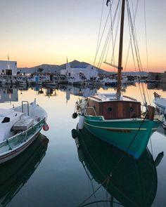Adorable Naoussa village in 📍Paros island (Πάρος) !!