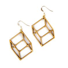 Laser cut earrings in birch wood. An eye-catching design that fools the eye - flat birch looks like a three dimensional cube in these optical illusion