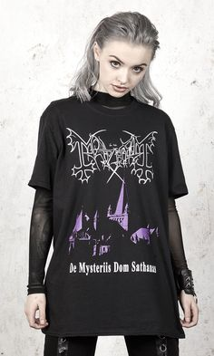 De Mysteriis Dom Sathanas was the debut album by the Norwegian black metal band Mayhem Short sleeve t-shirt with front and back screen prints. Grunge Fashion, Cute Fashion, Gothic Fashion, Fashion Outfits, Band Shirt Outfits, Band Shirts, Alternative Outfits, Alternative Fashion, Alternative Style