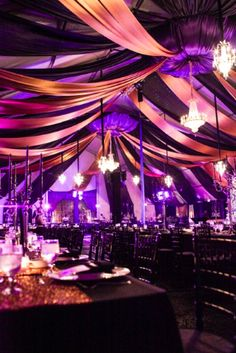 Great Masquerade Decor! I wish I could do that!