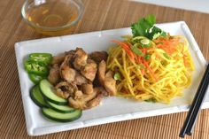 Lemongrass Chicken with Yakisoba. Lemongrass Chicken with Yakisoba Noodles Apple Cinnamon Oatmeal, Asian Recipes, Ethnic Recipes, Asian Foods, Easy Recipes, Tofu Dishes, Asian Soup, Food Articles