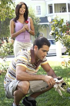Desperate Housewives ~ Episode Stills ~ Season 1, Episode 2: Ah, But Underneath