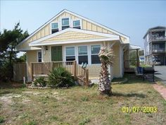 Oak Island Beach Bungalow (VBRO #359916) - WONDERFUL place to rent!