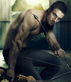 Stephen Amell (Oliver Queen). <3
